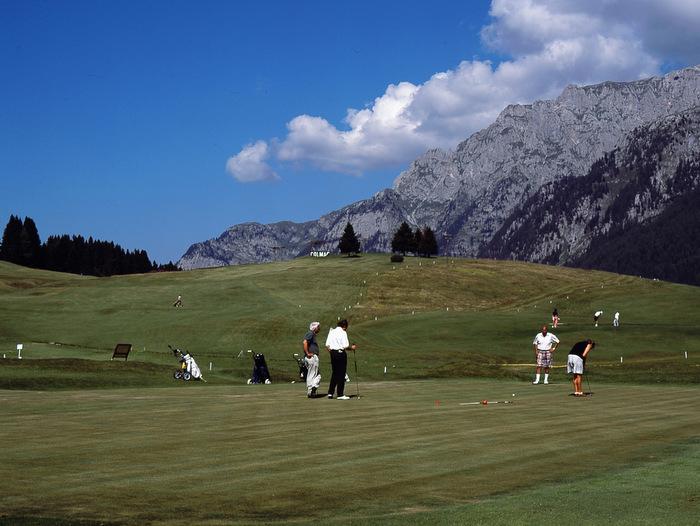 <b>13-Golf a ccMagno</b>